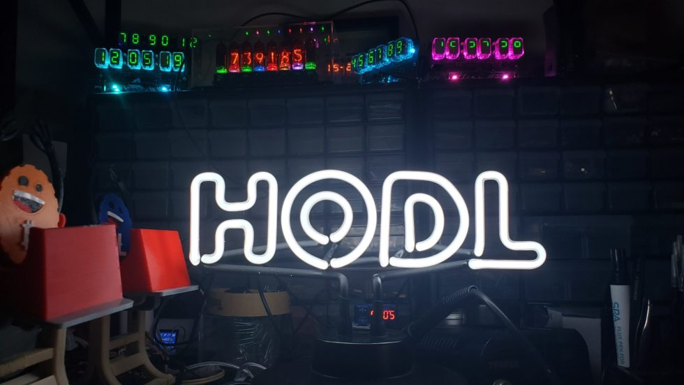 HODL Neon Sign Static